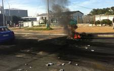 FILE: Disgruntled Rosedale residents in the Eastern Cape have defended the torching of a clinic and post office ahead of elections. Picture: Supplied