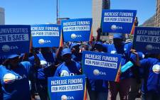 The Democratic Alliance and its student wing DASO hold a picket outside the gates of Parliament in Cape Town. Picture: Twitter/@Our_DA.
