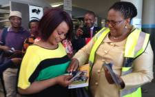 FILE: Transport Minister Dipuo Peters (R) has labelled the bomb threat at sanral headquarters as an attack on the constitution: Picture: Sebabatso Mosamo/EWN.