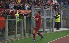 AS Roma's Kevin Strootman celebrates his goal with the fans against Lazio on 4 December 2016. Picture:  Picture: AS Roma official Facebook page.