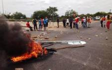 FILE:Eastern Cape police have fired rubber bullets and stun grenades to disperse a violent crowd protesting in Uitenhage. Picture: EWN.
