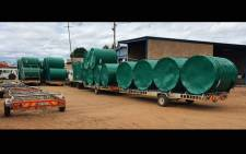 FILE: Water tanks being delivered to various schools across the country during the coronavirus lockdown. Picture: @DWS_RSA/Twitter.
