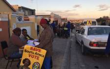 Voters earlier made their way to this voting station in Ward 96 in Khayelitsha. Kevin Brandt/EWN.
