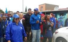Patricia de Lille (L), Mmusi Maimane (C) and Phumzile van Damme (R) walk through the streets of Bishop Lavis. Picture: Democratic Alliance ‏@Our_DA.