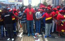 FILE. Pikitup employees affiliated to Samwu embarked on an unprotected strike through the streets if Johannesburg.Picture: Kgothatso Mogale/EWN.