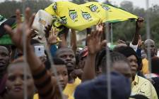 Thongathi residents waving the ANC flag as President Cyril Ramaphosa arrives uThongathi Outspan Grounds in KZN for the second KZN Siyanqoba Rally on 4 May 2019. Picture: Sethembiso Zulu/ EWN