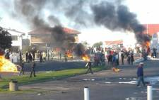 Violent protests erupted in Kleinmond on Monday 28 August 2017. Picture: Twitter/@SafeN2Project