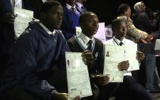Gauteng pupils pose with their newly acquired learner's licences, Thursday 4 June 2015. Picture: Vumani Mkhize/EWN.