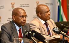 Health Minister Zweli Mkhize (L) at a press briefing on 7 March 2020 on the coronavirus (COVID-19) outbreak in South Africa. Picture: @DrZweliMkhize/Twitter.