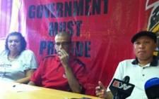 Cosatu Western Cape's Tony Ehrenreich (C)