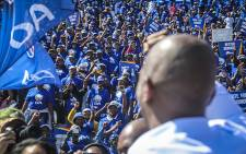 FILE: DA leader Mmusi Maimane interacts with supporters at the Rand Stadium in Johannesburg for the party's official manifesto launch for the 2016 local government elections. Picture: Reinart Toerien/EWN.