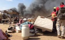 Fire raged through Kya Sands informal settlement. Picture: Reinart Toerien/EWN.