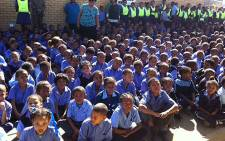 Uitsig Primary School received winter clothing on 24 April 2013. Picture: Lauren Isaacs/EWN