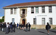 Pupils arrive at Sea Point High School on the first day of schooling in Cape town on 15 January 2014. Picture: Renee de Villiers/EWN.