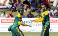Proteas Quinton de Kock and JP Duminy Quinton during the Test Series against New Zealand on 21 October 2014. Picture: Facebook.com.