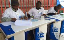 FILE:Independent Electoral Commission (IEC) officials during voter registration weekend. Picture: Vumani Mkhize/EWN.
