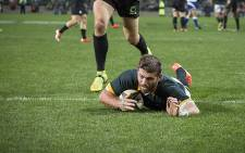 Willie le Roux dots down one of three tries he scored against the World XV at Newlands on 11 July 2015. Picture: Aletta Gardner/EWN