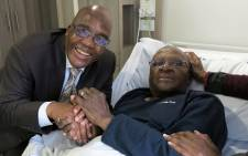 Health Minister Aaron Motsoaledi paid a spacial visit to Archbishop Emeritus Desmond Tutu at a Cape Town hospital. Picture: Desmond & Leah Tutu Legacy Foundation/Oryx Media.