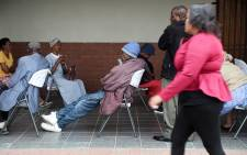 The elderly practice social distancing while waiting to collect their Sassa grants from Diepsloot mall. Picture: Kayleen Morgan/EWN