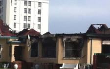 A fire engulfed the club house at the Green Point Bowling Club in Cape Town. Picture: Graeme Raubenheimer/EWN