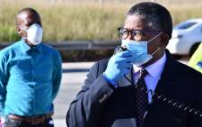 FILE: Transport Minister Fikile Mbalula (R) on 17 April 2020 at a press briefing at the Grasmere toll plaza on the N1. Picture: @MbalulaFikile/Twitter