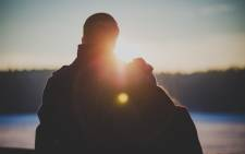 couple-man-woman-sunset-relationshipjpeg