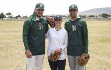 EWN Sport's Cato Louw (centre) with South African baseballers Nicholas Eagles (left) and Joshua Halvorson. Picture: Cindy Archillies/EWN