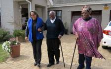 Executive Mayor of Cape Town Patricia de Lille paid a special visit to Arch Desmod Tutu and his wife Leah ahead of his 84th birthday. Picture: Desmond & Leah Tutu Foundation Facebook page.