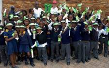 Sizwe Ndlovu and Matthew Brittain, joined by over 500 learners and their teachers, support Global Handwashing Day on 15 October, at Constitution Hill in Johannesburg.