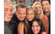 The cast of 'Friends' pose for a selfie ahead of their special reunion. Picture: Twitter/@HBOMaxPop