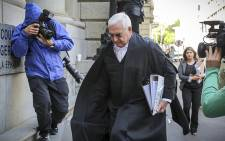 FILE: Shrien Dewani's defence attorney Francois van Zyl hurries up the Western Cape High Court's steps. Picture: Thomas Holder/EWN.