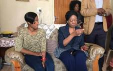 FILE: Social Development MEC Nandi Mayathula-Khoza at Bohlale Mokoena's home in Sharpeville. Next to MEC is the child's mother, Mpho. Picture: Masego Rahlaga/EWN.