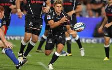 FILE: The Sharks' Pat Lambie sends a pass down the line. Picture: Sharks Rugby/Facebook