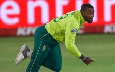 Proteas allrounder Andile Phehlukwayo hunting for wickets. Picture: @OfficialCSA/Twitter