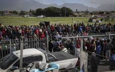 Western Cape Human Settlements MEC Bonginkosi Madikizela met with Parkwood community members following violent protests over housing. Picture: Cindy Archillies/EWN