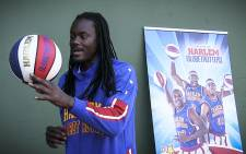Harlem Globetrotter Slick Willie Shaw shows off his quick fingers at a promotional day at Wynberg Boys High School for their tour in June. Picture: Anthony Molyneux/EWN
