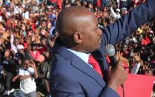 FILE: MDC Alliance leader Nelson Chamisa addressing supporters at Vhengere Stadium during a Rusape rally. Picture: @nelsonchamisa/Twitter