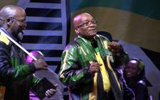 FILE: ANC secretary general Gwede Mantashe watches as President Jacob Zuma dances.  Picture: Reinart Toerien/EWN.