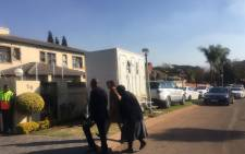 Gauteng Finance MEC Barbara Creecy arriving at the home of Ronnie Mamoepa on 24 July 2017. Picture: Masa Kekana/EWN