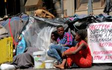 FILE: Foreign nationals in their makeshift shelters outside the Central Methodist Mission Church in Greenmarket Square in Cape Town. Picture: Kaylynn Palm/Eyewitness News.