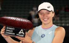 Iga Swiatek soared to the Adelaide Tennis title with a straight sets victory over Belinda Bencic. Picture: Twitter @WTA