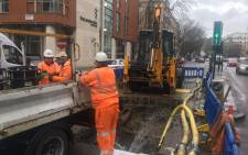 Workers repair a burst pipe in London on 4 March 2018. Picture: @thameswater/Twitter