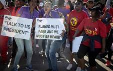 FILE: Numsa and South African Cabin Crew Association (Sacca) members picket at the SAA Airways Park in Kempton Park on 15 November 2019. Picture: Xanderleigh Dookey/EWN.