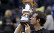 Andy Murray kisses his trophy after defeating Novak Djokovic in the final of Italian Open in Rome on 15 May 2016. Picture: Facebook.