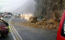 File Picture: An accident on Sir Lowry's Pass caused by rocks falling on the road. Picture: ER24