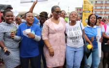 eThekwini Mayor and African National Congress councillor Zandile Gumede engages supporters during the last weekend of registration for 2019 elections. Picture: @eThekwiniM/Twitter.