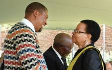FILE: Nelson Mandela's widow Graca Machel greets Mandla Mandela during the Nelson Mandela Day of Remembrance held at Union Buildings, Pretoria on 05 December 2014. Picture: GCIS.