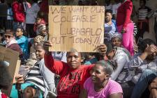 Masiphumelele residents have gathered outside Simons Town Magistrates Court in support of community activist Lubabalo Vellem, who has been accused of murder after he allegedly assaulted a man in his community who later died of his injuries. Picture: Thomas Holder/EWN