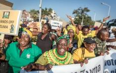 Supporters of the former South African president rally prior to his appearance in the KwaZulu-Natal High Court on corruption charges in Durban on 6 April 2018. Picture: AFP.