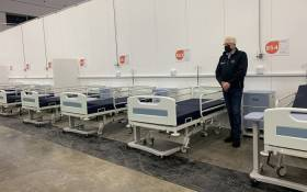 Western Cape Premier Allan Winde on 25 May 2020 examined the province's makeshift COVID-19 field hospital at the Cape Town International Convention Centre. Picture: Kaylynn Palm/EWN.